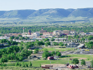 the background of the city of casper wyoming The route later known as the oregon trail was already in regular use by traders and explorers in the early 1830s the trail snakes across wyoming, entering the state on the eastern border.